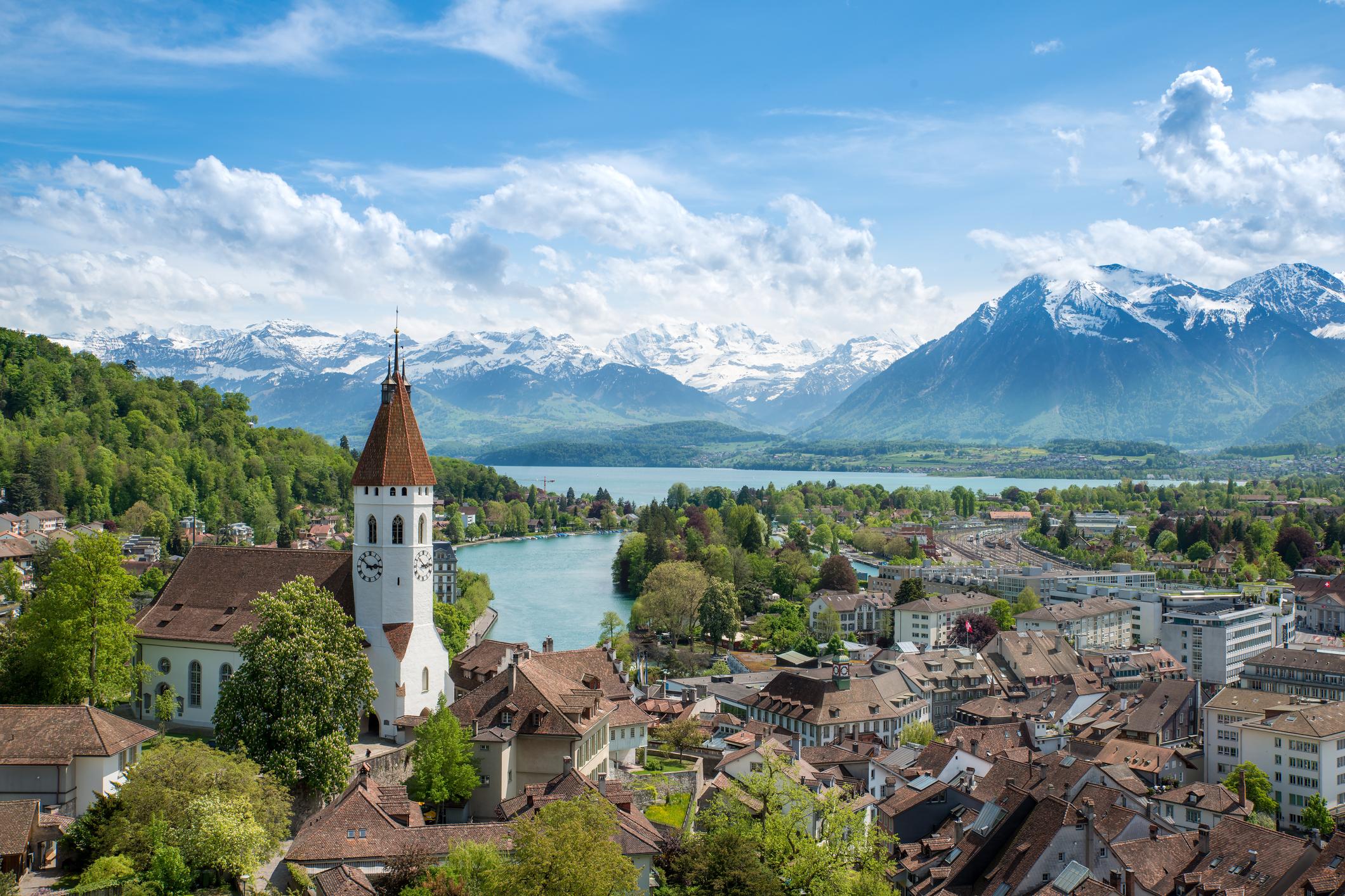 Verhuizen naar Zwitserland - KHZ regelt het
